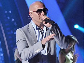 Pitbull rehearses for his 2011 VMA performance