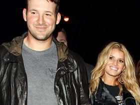 Tony Romo and Jessica Simpson in February 2009