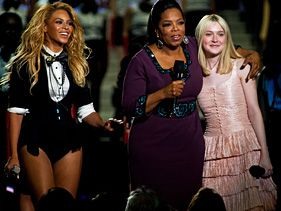 Beyonc&amp;#233;, Dakota Fanning and Oprah at Oprah's final show taping