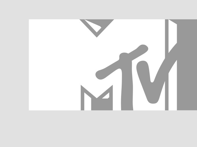 Thomas Rhett prepares for the 2014 CMT Music Awards at Nashville's Bridgestone Arena.